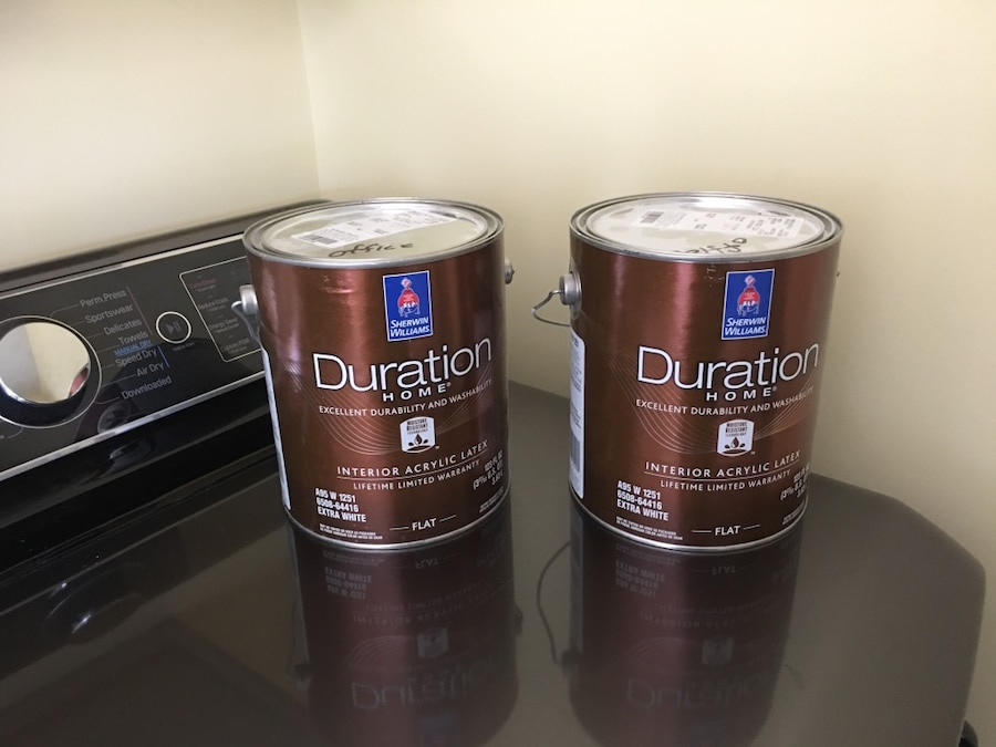 Photo NEW Sherwin Williams Duration Paint 2 Full gallons