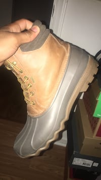 sperry duck boots Sz10