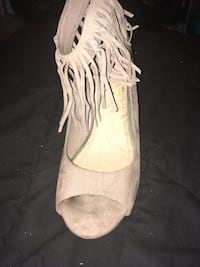 Suede open toe Pumps size 12 New York, 11377