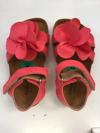 Girl's shoes size 7-7,5 red flower