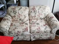 white and pink floral loveseat Maple Ridge, V2X 9R1