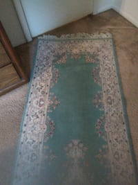 green and white floral area rug Reisterstown, 21136