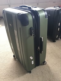 Super large suitcase  80% new   One wheel is missing  Surrey, V4A