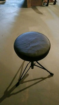 First Act drum chair