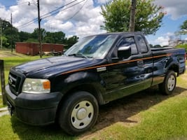 2006 Ford F-150 XL Regular Cab 126-in Styleside