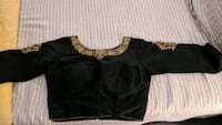 Black crop top: size M-L