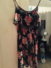 Small floral dress new Colorado Springs, 80917