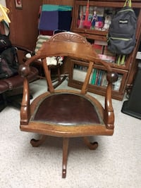 Antique office chair Reisterstown, 21136