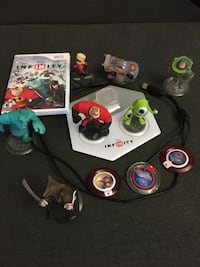 Disney infinity game and 7 characters  for wii