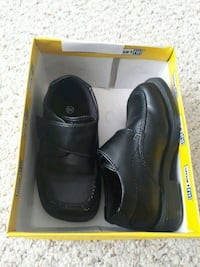 Kids boys 6w dress shoes Lloydminster, T9V 0A3