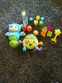 toddler's assorted plastic toys Oconto, 68860