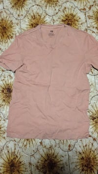 Size small h and m shirt