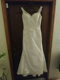"""Alfred Angelo Wedding Dress size 6 for a 5'2"""" tall bride. 936 mi"""