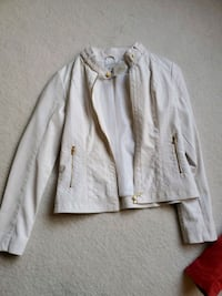 Used White Guess Jacket For Sale In Plainfield Letgo