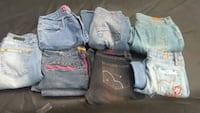 Bundle of 6 jeans 1 capri jeans  size 7. Fairborn, 45324