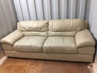 Free delivery: large white leather 3 seater 513 km