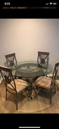 Classy and Elegant Round Table with 4 Chairs Merrifield, 22180