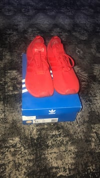 pair of red Adidas low-top sneakers with box Blue Island, 60406