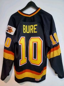 Pavel Bure jersey size Large (fits smaller)