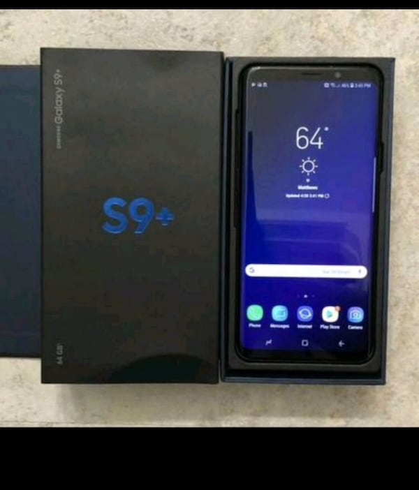 Samsung Galaxy S9+ (64gb) comes with charger and 1 month warranty feb0057d-fd32-4afb-b974-990d99f31647