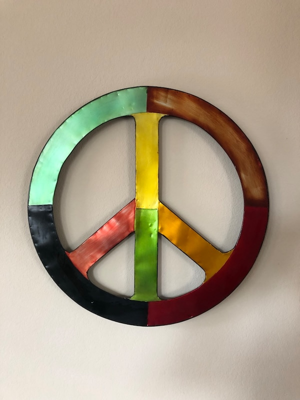 Metal Peace Sign And Swirl Wall Decor