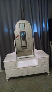 white wooden dresser with mirror Tomball, 77377