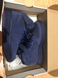 Blue suede mid airforce 1s  553 km