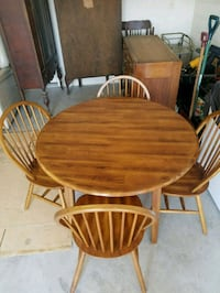 Table and Chairs Hagerstown, 21740