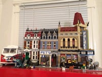 Lego creaters pet store and cinema