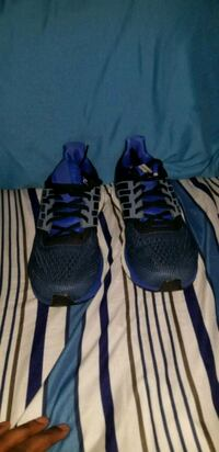 Adidas running shoes size 9.5 Queens, 11419