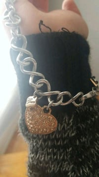 Guess chain necklace Winnipeg, R3J 2P6
