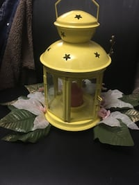 yellow and white table lamp Whitby, L1N 3K9