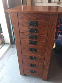 Shaker-style Solid Wood jewelry chest Chantilly, 20152