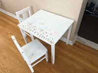 rectangular white wooden table with four chairs Mississauga, L5N 7X3