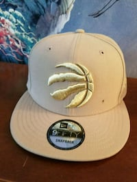 white and gray New Era 59Fifty cap Pickering, L1V 2Z1