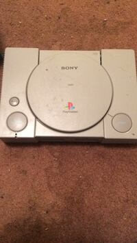 white and black Sony PS1 console Mendenhall, 39114