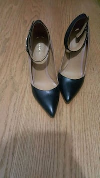 Gorgeous Coach pumps size 8