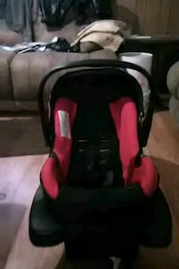black and red car seat carrier Columbus, 43223