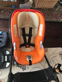 Cybex Aton Q Car Seat, two Bases and Maxi-Cosi Maxi-Taxi Travel System Stroller Frame.   46 km