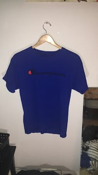 Navy blue champion t shirt medium  Kelowna