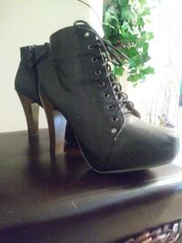 pair of black leather boots Catonsville