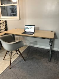 Adjustable standing desk Alexandria, 22303