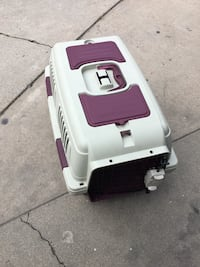 white and red plastic pet carrier Downey, 90241