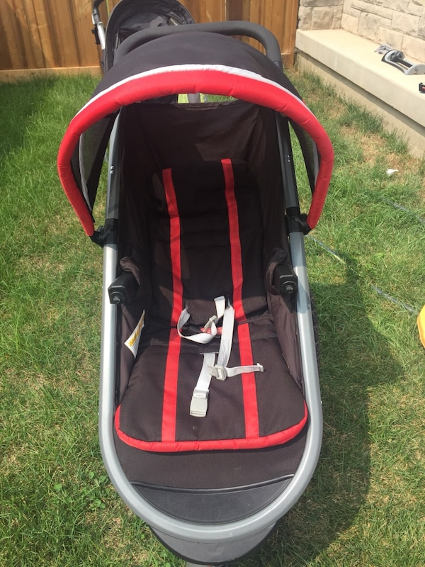 GRACO click and connect stroller