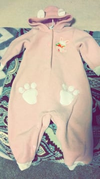 Baby's pink and white footie pajama Reno, 89512