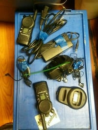 2 secured line motorola walkies with 2 optíonal Blue Eye, 65611