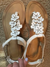 Women's Sandals, Size 7.5 Mount Pleasant, 29464
