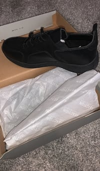 Kenneth Cole Size 10.5