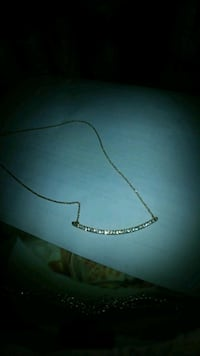 Gold filled necklace come and get it $10 it is beautiful