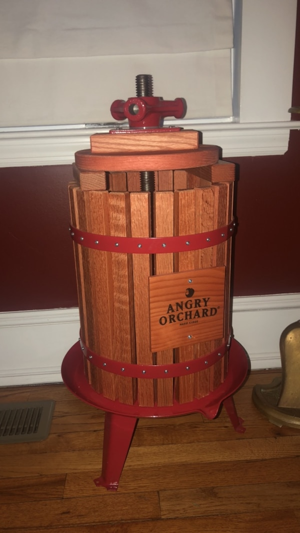 Cider Press For Sale >> Used Angry Orchard Apple Cider Press For Sale In East Islip Letgo